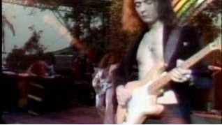 Смотреть клип Deep Purple - Might Just Take Your Life онлайн