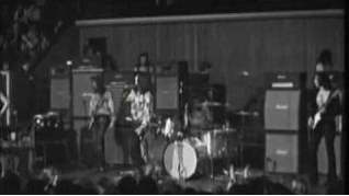 Смотреть клип Deep Purple - Fireball онлайн