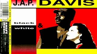 Смотреть клип J.A.P. Davis - Black & White (Radiopeople Mix) онлайн
