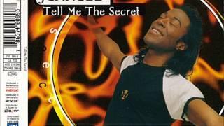 Смотреть клип Jerrell - Tell Me The Secret (Deep House Mix) онлайн