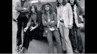 Смотреть клип Deep Purple - Rat Bat Blue онлайн