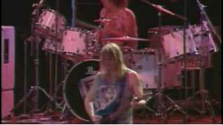 Смотреть клип Deep Purple - The Purpendicular Waltz онлайн